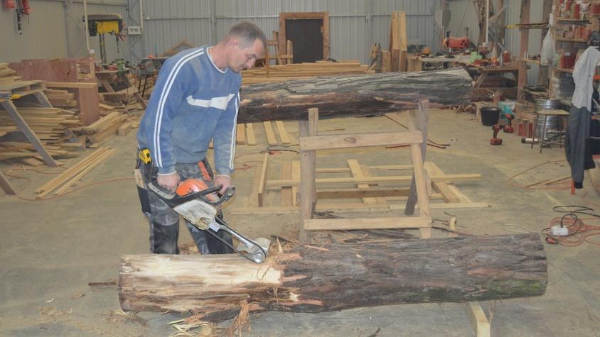 Travail du bois de robinier